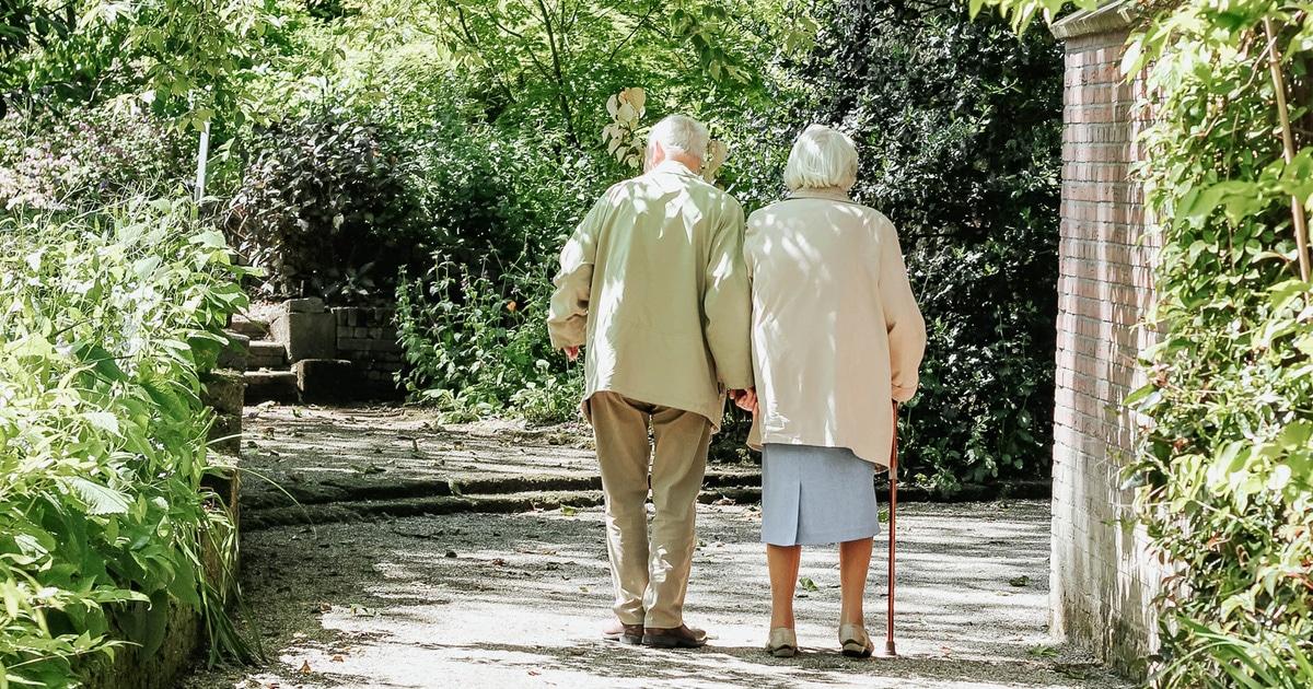 couple grandparents-featured image